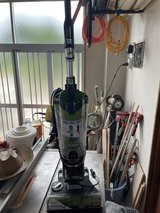 bissell pet air eraser vacuum cleaner, really good condition in Okinawa, Japan