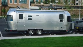 AIRSTREAM Flying Cloud 25FB - $29,500 (Long Island, NY) in Honolulu, Hawaii