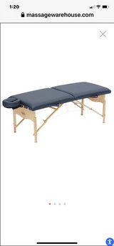 massage table and chair both with cases in Alamogordo, New Mexico