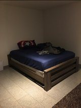 Queen size bed in Ramstein, Germany