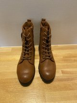Woman- Boots- Brand New- Never Worn in Okinawa, Japan