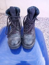 Pair of black steel toe boots size 6 like new in Alamogordo, New Mexico