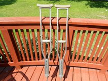 Pair of Lightweight Aluminum Guardian Crutches. Excellent Condition! in Naperville, Illinois