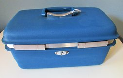 Vintage Train Case Makeup Suitcase in Fort Campbell, Kentucky