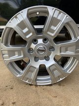 Nice 18 inch Rims in Fort Campbell, Kentucky