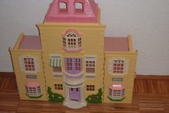 Fisher Price Doll house extendable right and left side in Stuttgart, GE