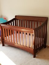 crib/daybed/mattress/linens in Naperville, Illinois