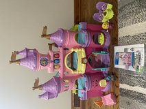 VTECH Go Go Smart Friends Enchanted Princess Palace and Twinkle the Magical Unicorn in Naperville, Illinois