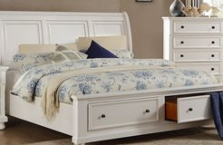 Pottery barn Queen size  Slay bed with drawers in Conroe, Texas