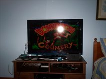 super nintendo - 2 controllers & hookups & donkey kong country 1 - 2 & 3 - TV is not included in Elizabethtown, Kentucky