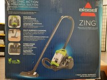 Bissell ZING cyclonic action and powerful suction 110 V Vacuum in Stuttgart, GE