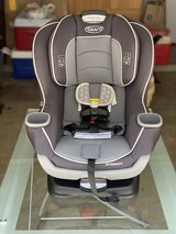 Graco Extend2Fit Convertible Car Seat in Davis in Bellaire, Texas