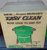 Munsey Slow Cooker / Deep Fryer  *Price Drop* in St. Charles, Illinois