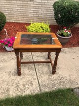 oak table in St. Charles, Illinois