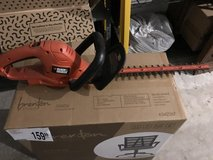 Electric Hedge Trimmers in Naperville, Illinois
