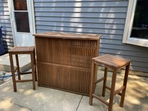 Outdoor Bar and 2 matching stools in St. Charles, Illinois