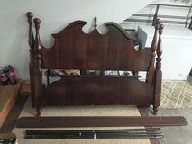 Bedframe adjustable to full or queen size in Fort Campbell, Kentucky