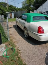 great car must see lincoln town car in Fort Campbell, Kentucky