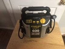 Stanley Jumpit 600 300 AMP in Fort Knox, Kentucky