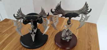 """x2 -- TOMAHAWK FANTASY CLAW 3-BLADE SKULL KNIFE & DISPLAY STAND 8 1/4"""" BY 8 1/4"""" in Ramstein, Germany"""