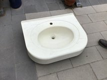 Large off White Marbled Square Sink & Small Beige Ceramic Sink in Ramstein, Germany