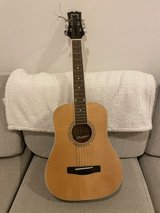 Mitchell MDJ10 Junior Dreadnought Acoustic Guitar in Okinawa, Japan