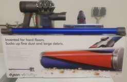 Dual Voltage Dyson v6 Fluffy in Ramstein, Germany