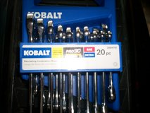 20 pc. kobalt ratching wrench set - 10 inch and 10 metric in Fort Knox, Kentucky