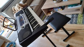 Keyboard with chair and 100 rhythm in Stuttgart, GE