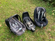Maxi Cosi Car Seats with Isofix Base in Wiesbaden, GE
