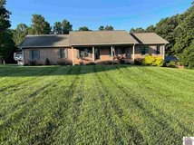 Beautiful 4 Bd/3Ba 3,120sq ft Home in Country in Fort Campbell, Kentucky