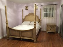 Wooden 3 Piece Bedroom Set Queen Size Poster Bed in Great Lakes, Illinois