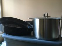 Stock Pot/Glass Lid (Ikea, large) & Roasting Pan (rarely used) in Algonquin, Illinois