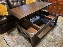 Coffee Table that Converts to Desk in Nellis AFB, Nevada