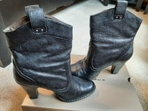 Women's BORN boots-Cowboy Western style in Naperville, Illinois