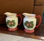 2 Christmas Pitchers in Kingwood, Texas
