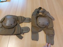 Large knee pads in Ramstein, Germany