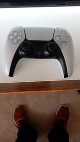 Berly used ps5 controller white in Alamogordo, New Mexico