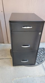 18 Inches deep 3 Drawer Metal File Cabinet in 29 Palms, California