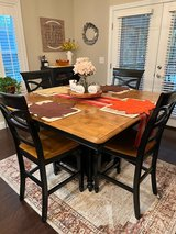Nice kitchen set, just in time for the holidays! in Elizabethtown, Kentucky