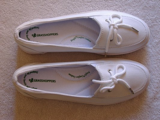 b8f5c86f9f648 Women s HIGHVIEW WHITE CANVAS SHOES Grasshoppers Size 6 in Yucca Valley