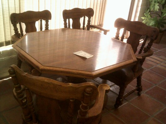 Card Table, Octagon With 4 Chairs In Alamogordo