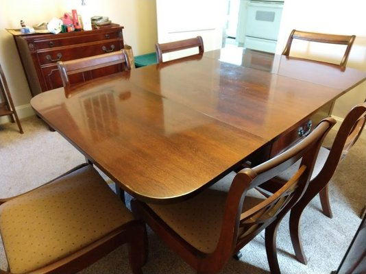 Mahogany Dining Room Table U0026 Chairs In Cherry Point