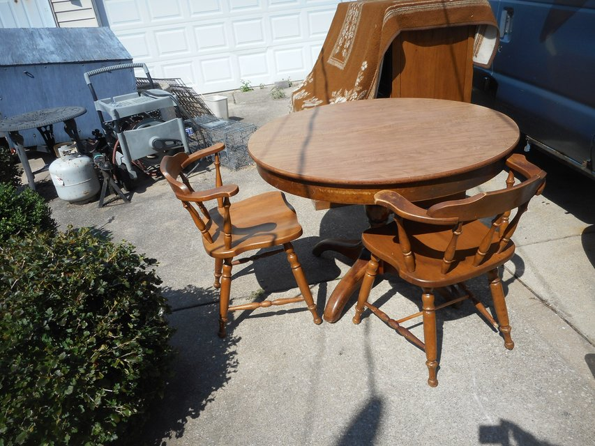 Vintage Oak Frame Wood Grain Formica Top Table W/4 Captains Chairs + Leaf In