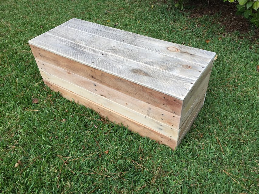 Wood pallet antique hinges chest toy box footlocker ...