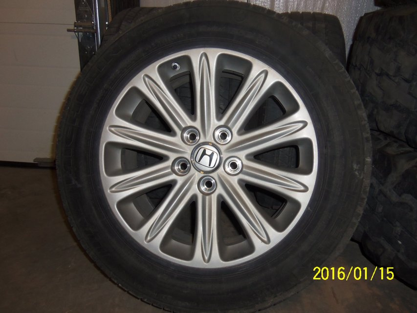 pax tires and rims for 2006 honda odyssey touring minivan. Black Bedroom Furniture Sets. Home Design Ideas