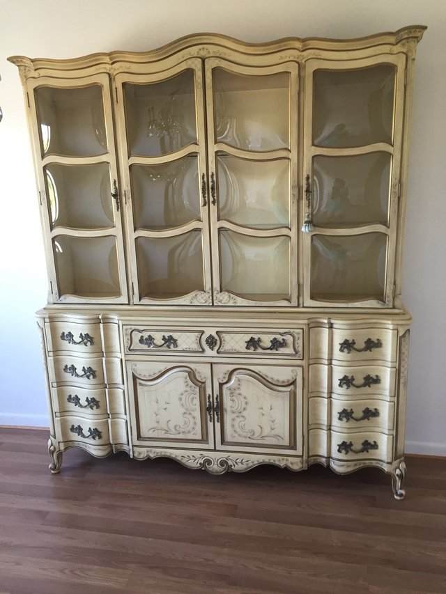 KARGES BREAKFRONT / CHINA CABINET FRENCH PROVINCIAL Hand Painted In  Naperville
