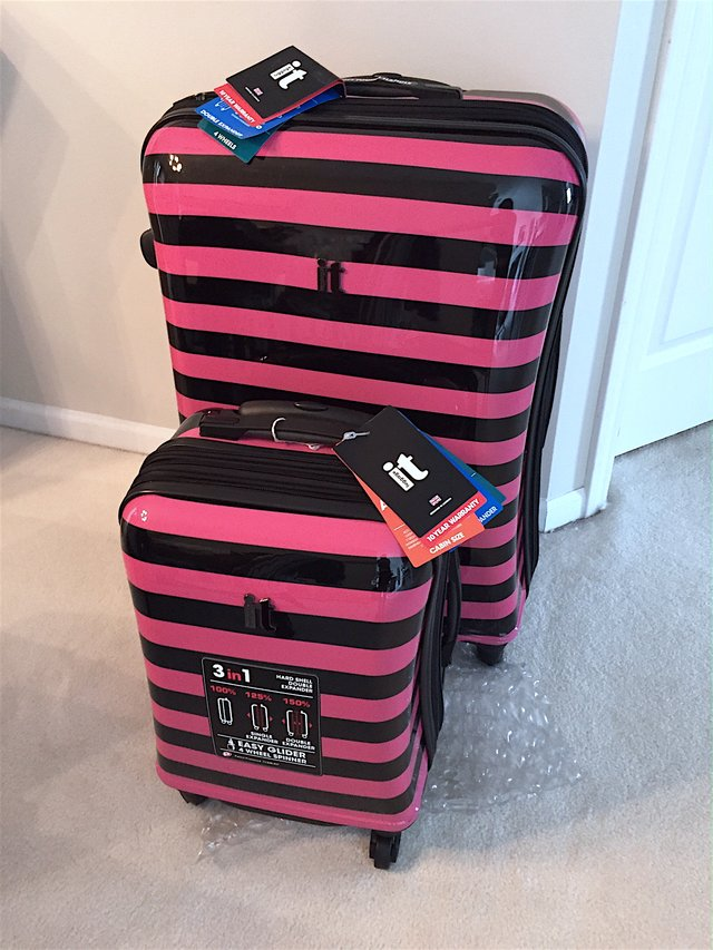 IT Pink Kingston Spinner Suitcase and Carry-on Luggage Set ...