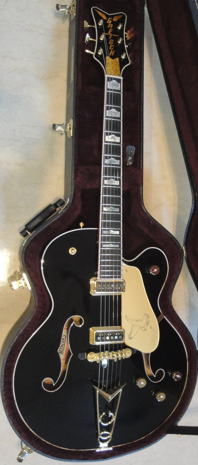 2012 gretsch black falcon near mint musical instruments for sale on okinawa bookoo. Black Bedroom Furniture Sets. Home Design Ideas
