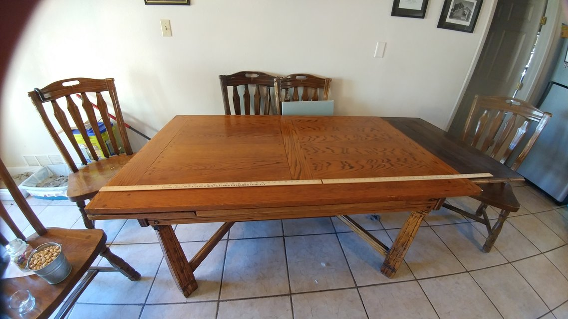PRICE CUT Ranch Oak Expandable Dining Room Table With Chairs In Alamogordo
